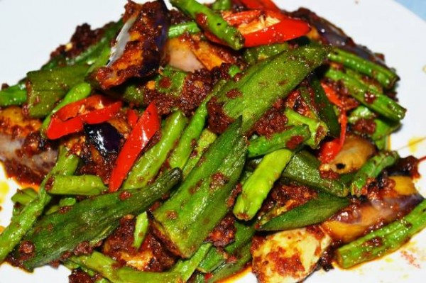Mix veges with sambal